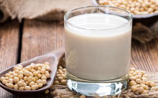 Sữa đậu nành tốt cho sức khỏe nhưng 9 nhóm người này uống vào thì chỉ hại thân